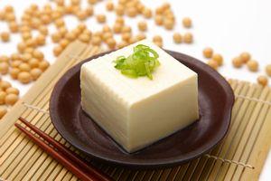 栄養豊富で低カロリーの豆腐。価格も手ごろで日本の食卓に欠かせない食材の1つと言えるだろう。豆腐の起源は中国であり、中国でも日常的に食されているが、同じ豆腐でも中国と日本では違いがあるという。(イメージ写真提供:123RF)