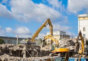 マンションやビルは都市生活に欠かせないものだが、いつかは寿命が来て解体する必要が出てくるのは当然の成り行きだ。では、老朽化した建築物は日本ではどのように解体作業を行っているのだろうか。(イメージ写真提供:123RF)