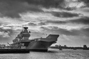 英国は、空母「クイーン・エリザベス」を中心とする空母打撃群が日本に寄港することを発表した。同時に、2隻の哨戒艦がインド太平洋地域に常駐することも発表しているが、これは中国にとって大きな脅威となる可能性があるようだ。(イメージ写真提供:123RF)